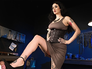 Arabelle Raphael in Used and Abused - KinkVR babe bdsm femdom