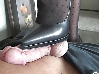 Louboutin shoejob close-up bdsm femdom